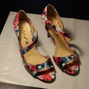 Unisa multi-colored floral heels